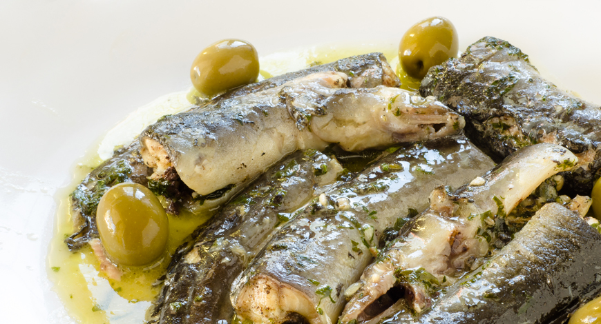 Anguila en salsa de olivas